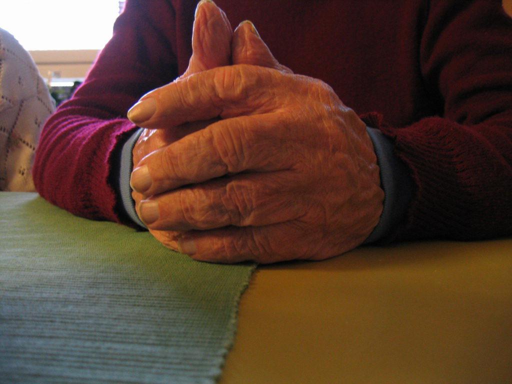 11 hands